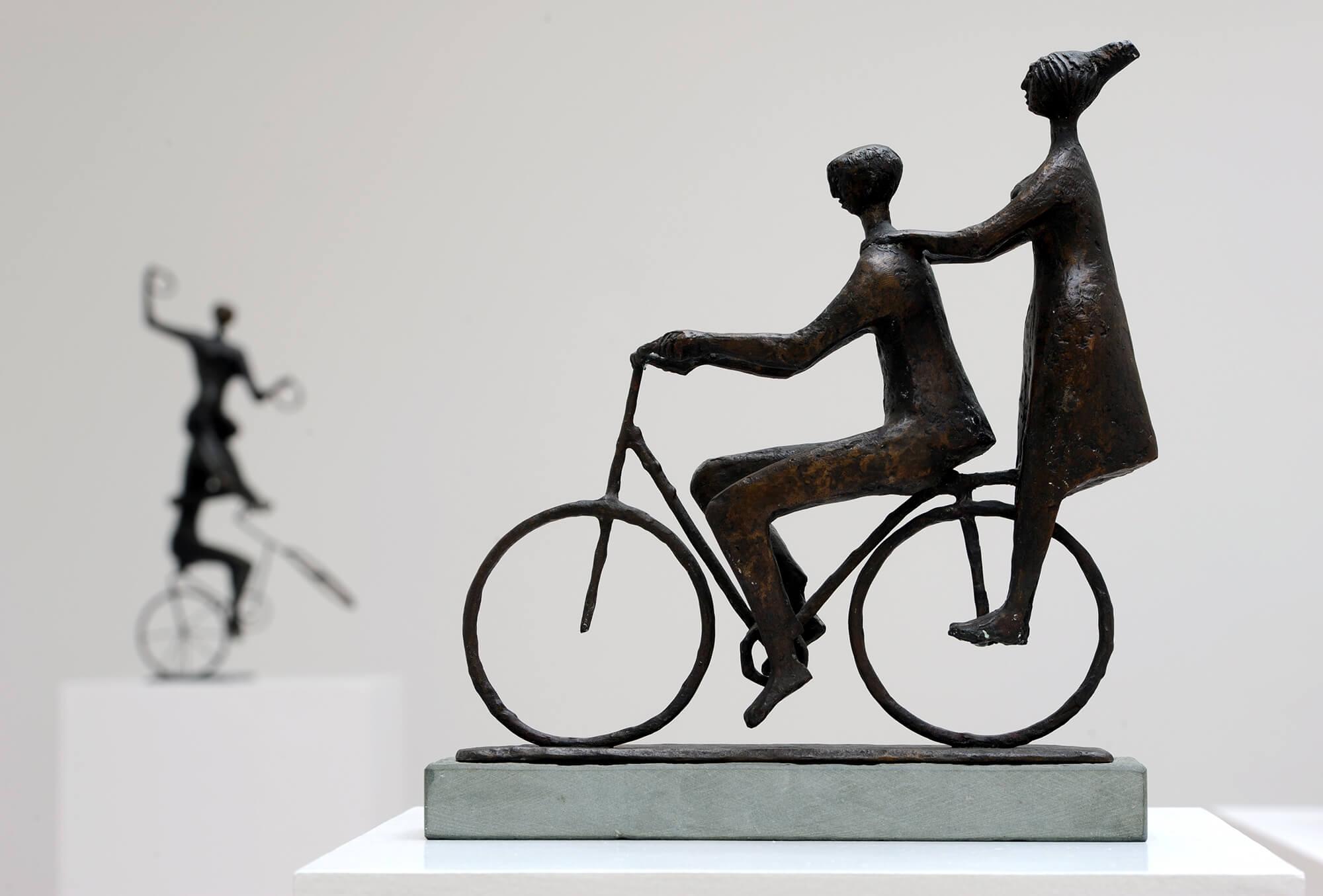 Gerhart Schreiter, Radartisten, 1960/61, Bronzefigur