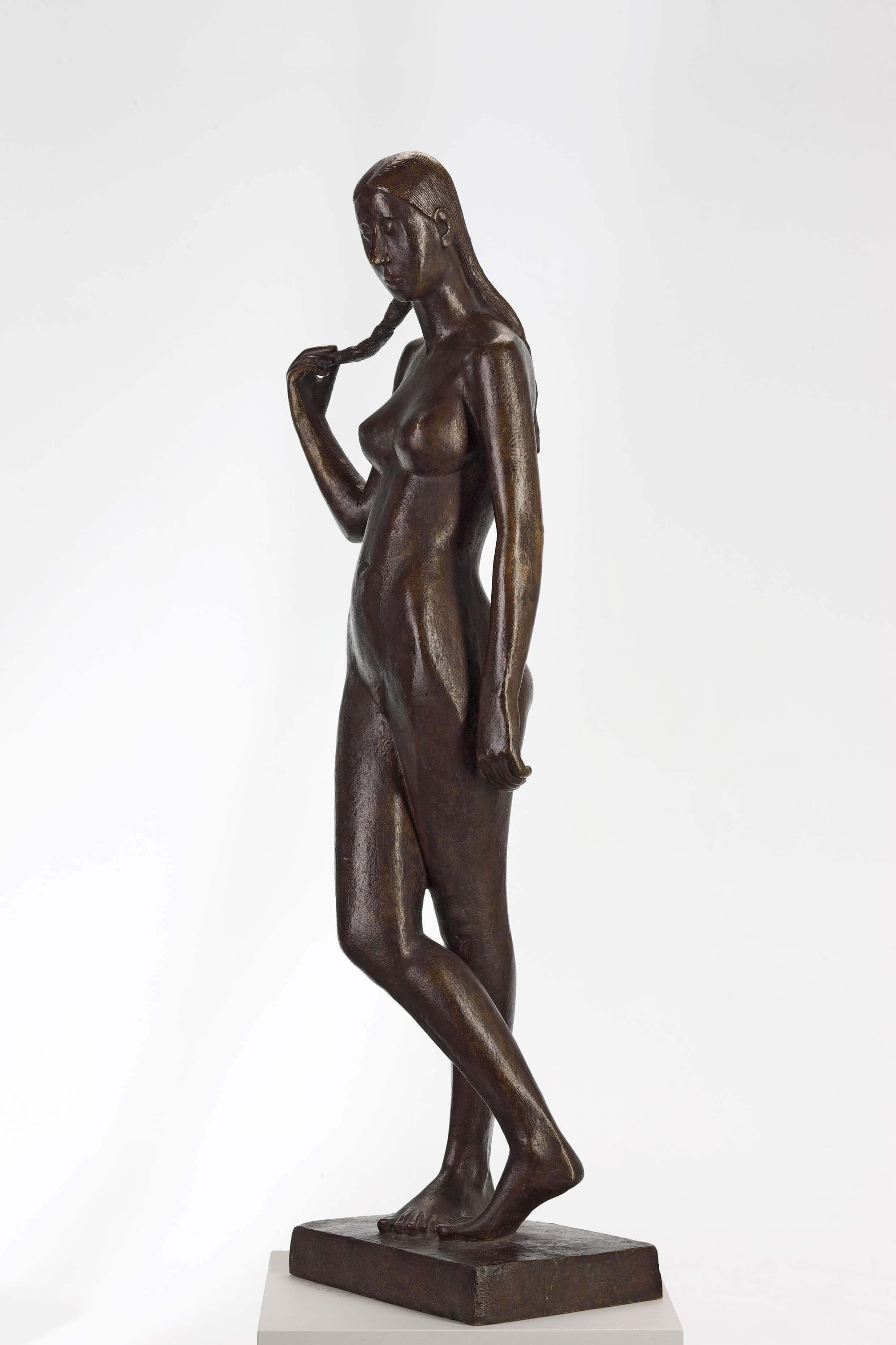 Gerhard Marcks, Stehende mit Zopf, 1950
