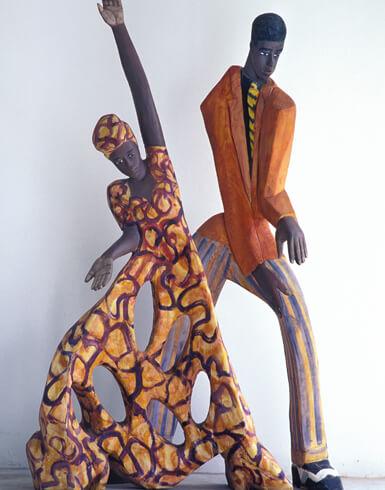 Luise Kimme, Samanta und Allister, 2002, Esche, farbig gefasst, Foto: Stefan Falke, laif